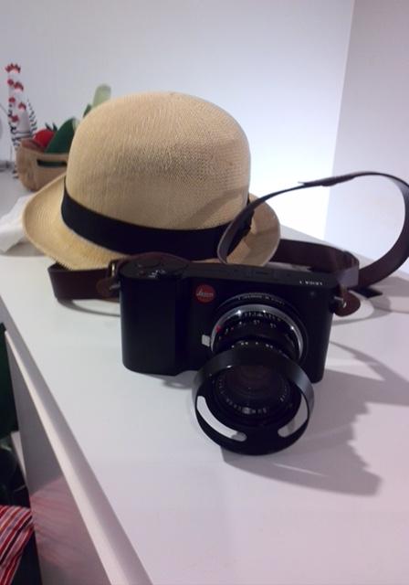 真也さんのライカと帽子