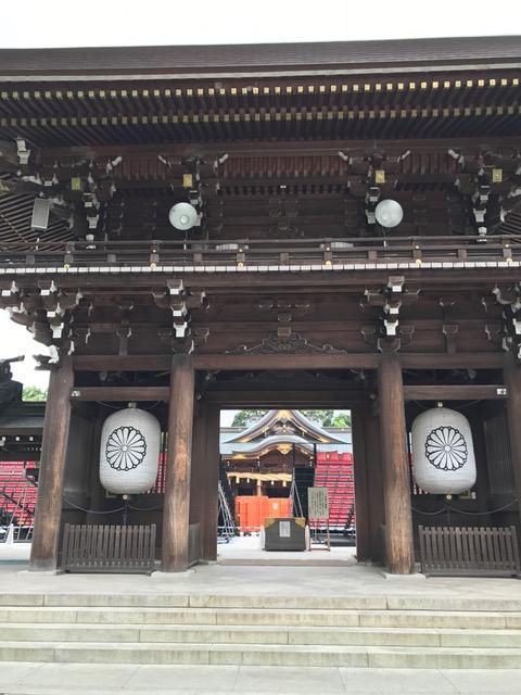寒川神社の正門