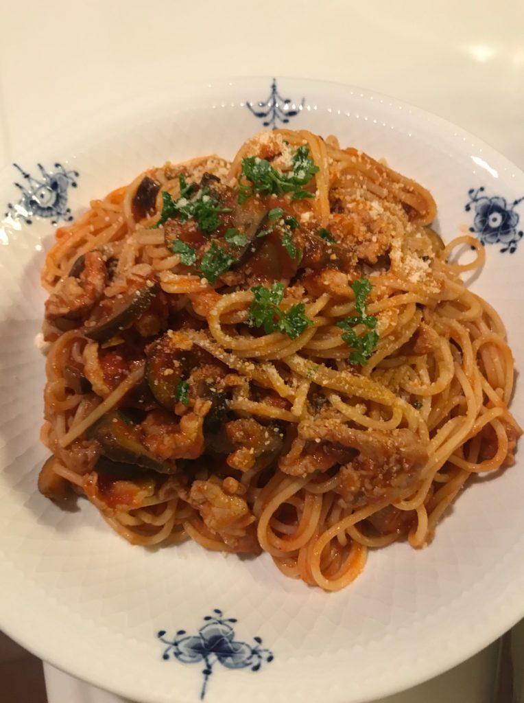茄子と豚肉のトマトパスタ