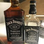 JACK DANIEL!'S のデカボトルと通常ボトル