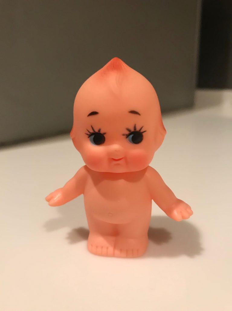 職場の仲間からもらった、キューピー人形