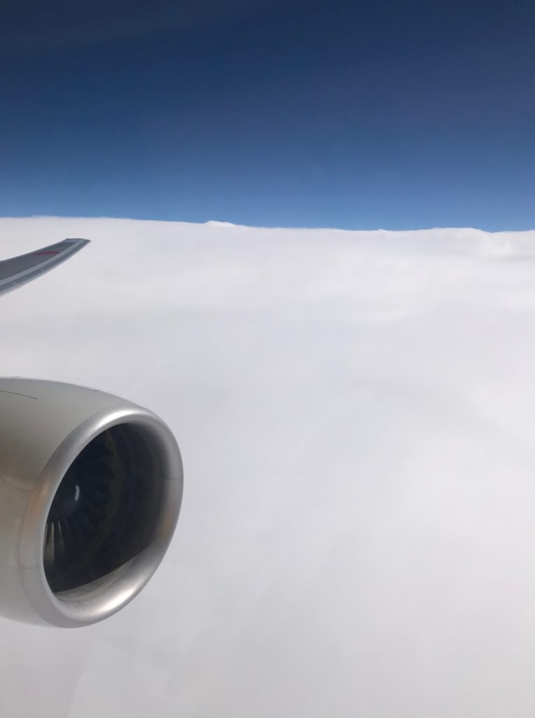 福岡出張_行きの飛行機からみた雲海