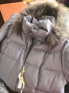 今年もダウンコートを出しました。